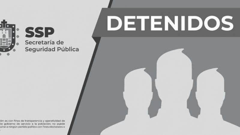Caen tres por presuntos delitos contra la salud y posesión de tarjetas apócrifas, en Veracruz
