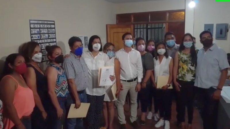 Doctora Remedios recibe constancia que la acredita como presidenta municipal de San Andrés Tuxtla