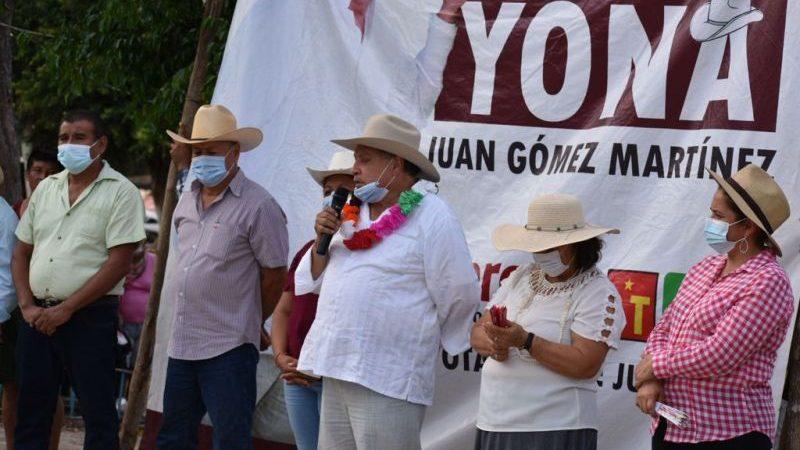Juan «Yona» felicitó a maestros en su día