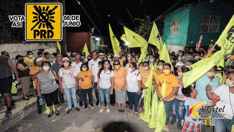 Diálogos con la candidata Kristel Hernández se nutre de participación ciudadana