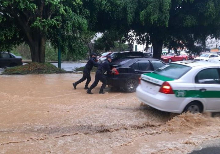 Lluvias en Xalapa dejan 29 colonias inundadas