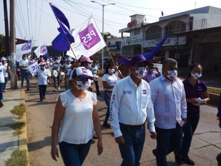 Realiza Juan Montané campaña en Ciudad Isla