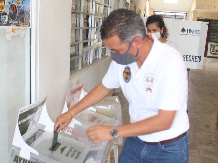 Elecciones 2021. Así votó Fabián Cárdenas en Lerdo de Tejada